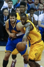 26 Throwback Photos Of The 2015 NBA Finals Players