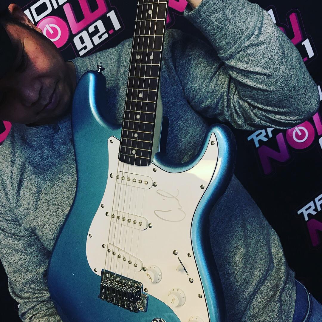 Camila Guitar 2