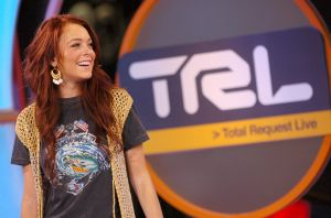 Lindsay Lohan, Xzibit, and Jeremy Shockey Visit MTV's 'TRL' - December 7, 2004