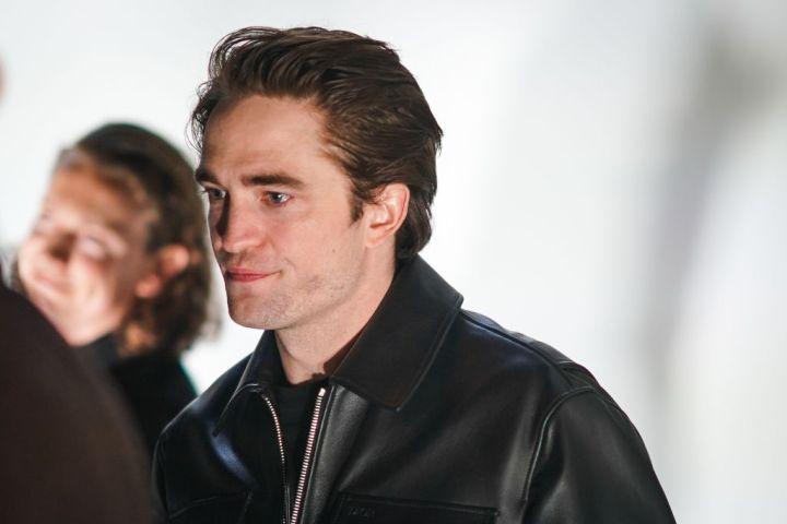 Robert Pattinson Tests Positive For COVID-19, Halting 'The Batman'